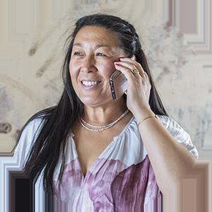 kvinna rekryterare ada digital glad telefon